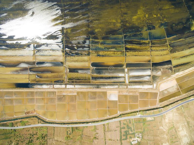 Vista aérea de la salina en la isla del Pag fotografía de archivo