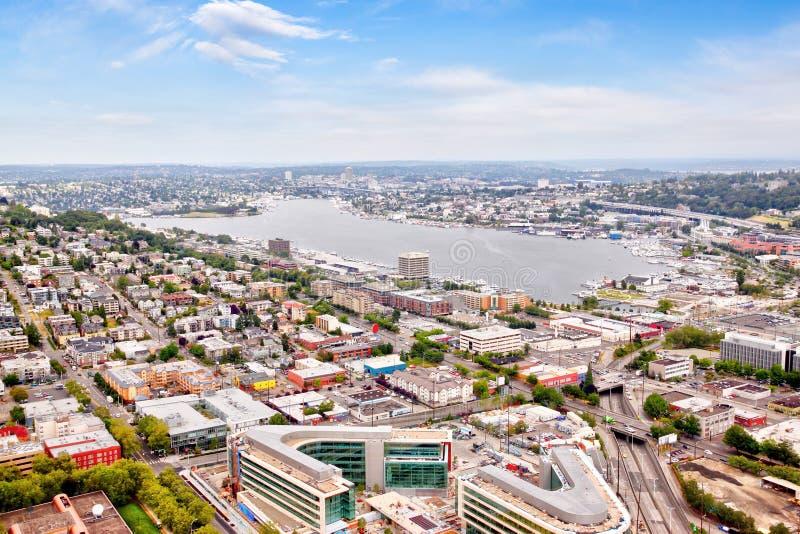 Vista aérea de la vecindad suburbana de Seattle alrededor de la unión del lago fotografía de archivo