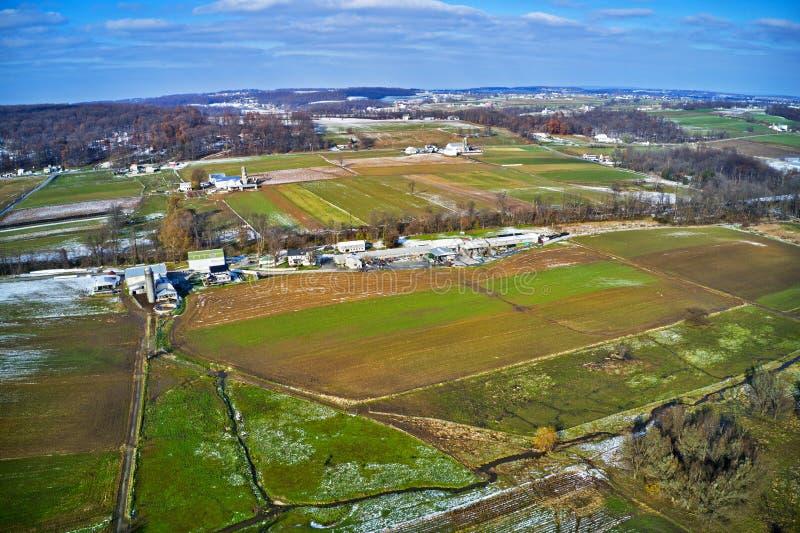 Vista aérea de las tierras de labrantío de Amish en Pennsylvania fotografía de archivo libre de regalías