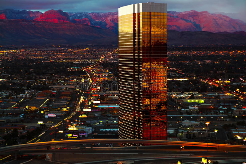 Vista aérea de Las Vegas na noite imagem de stock
