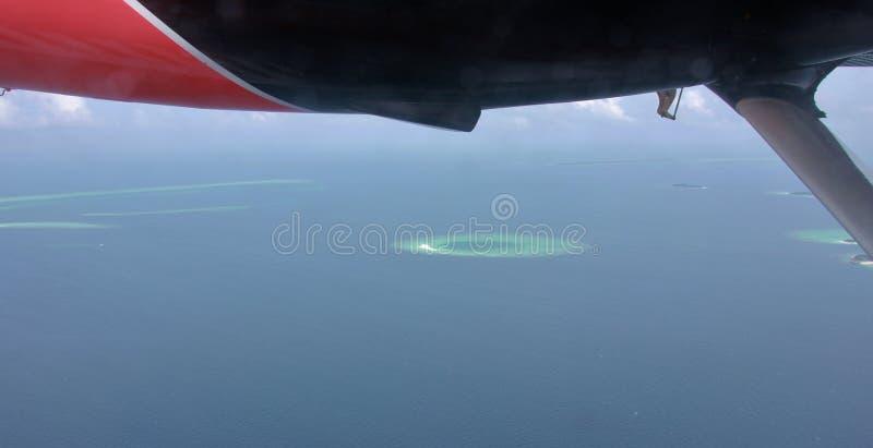Vista aérea de los atolones del hidroavión, Maldivas imagen de archivo
