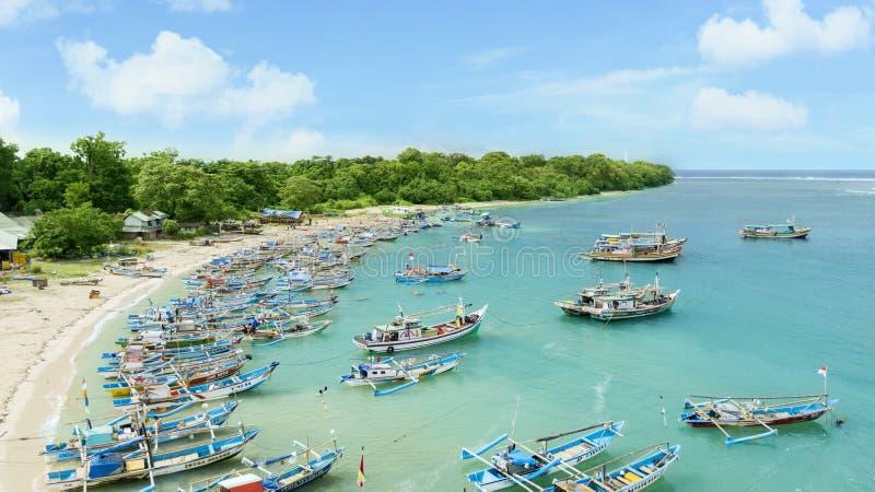 Vista aérea de los barcos tradicionales del pescador imagenes de archivo