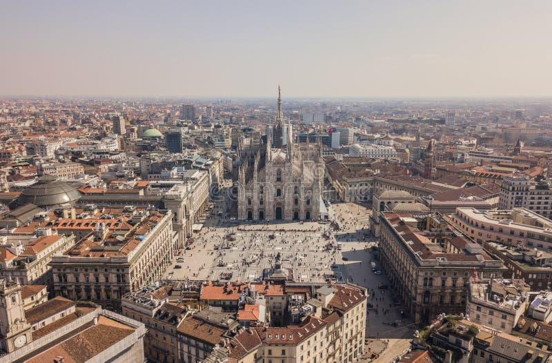 Vista aérea de los di Milano del Duomo fotografía de archivo libre de regalías