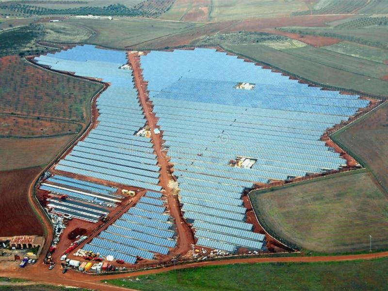 Vista aérea de los paneles solares fotos de archivo