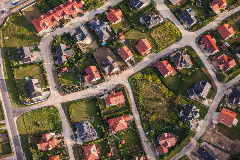 Vista aérea de los suburbios de la ciudad de Nysa en Polonia fotos de archivo