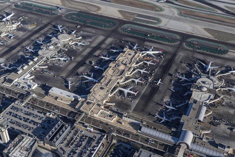 Vista aérea de los terminales ocupados de LAX foto de archivo libre de regalías