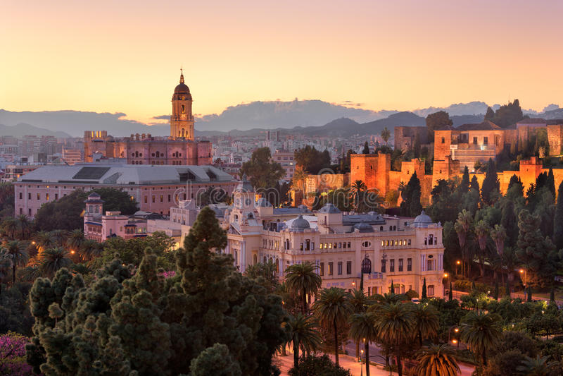 Vista aérea de Málaga por la tarde, Málaga, Andalucía, España fotografía de archivo libre de regalías