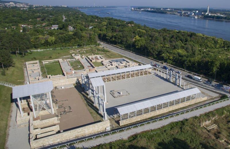 Vista aérea de Nove, Svishtov, Bulgária, em julho de 2017 fotografia de stock royalty free