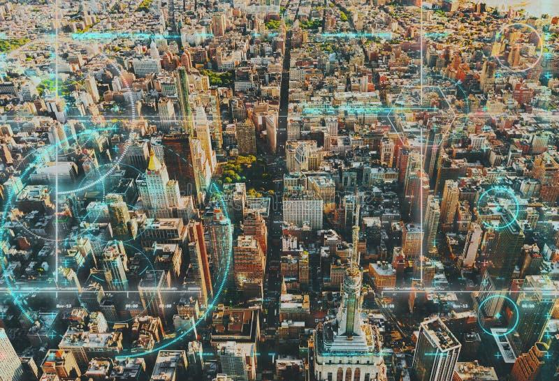 Vista aérea de Nueva York con tema del techology imágenes de archivo libres de regalías