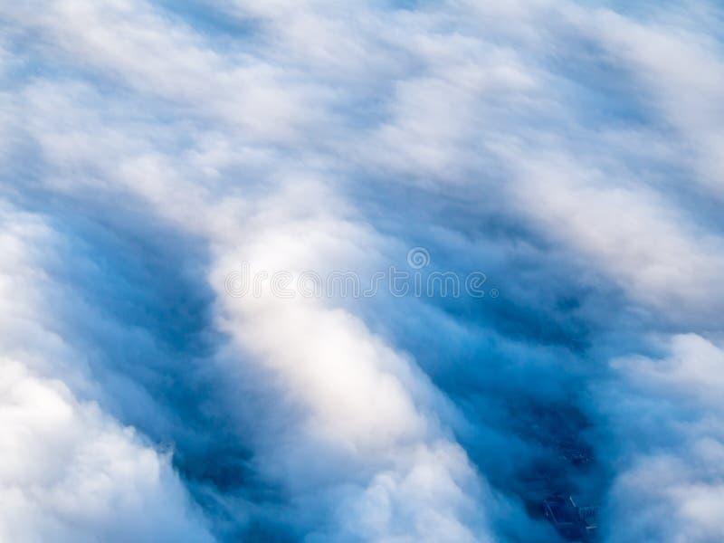 Vista aérea de nuvens do stratocumulus foto de stock