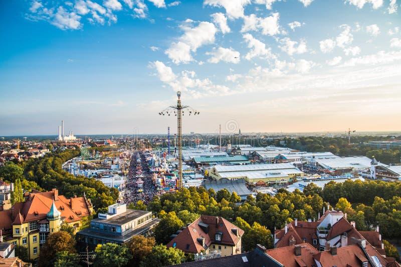 Vista aérea de Oktoberfest, Munich, Alemania foto de archivo