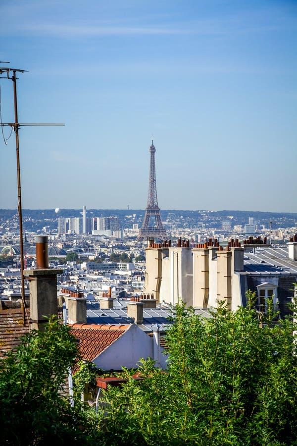 Vista aérea de París y torre del Effel desde la Butte Montmartre imagen de archivo libre de regalías