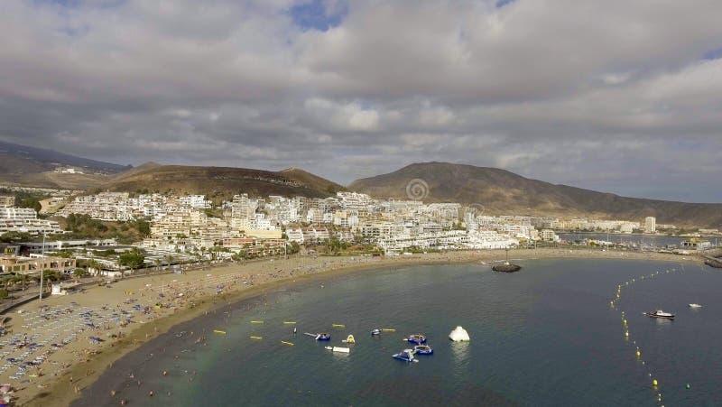 Vista aérea de Playa de Los Cristianos - Tenerife, España imagen de archivo libre de regalías