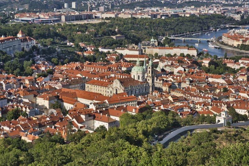 Vista aérea de Praga, arquitetura da cidade foto de stock