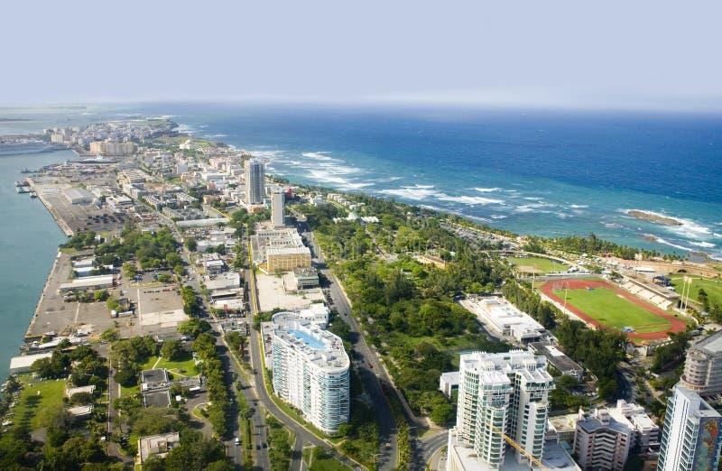 Vista aérea de Puerto Rico de nordeste foto de archivo
