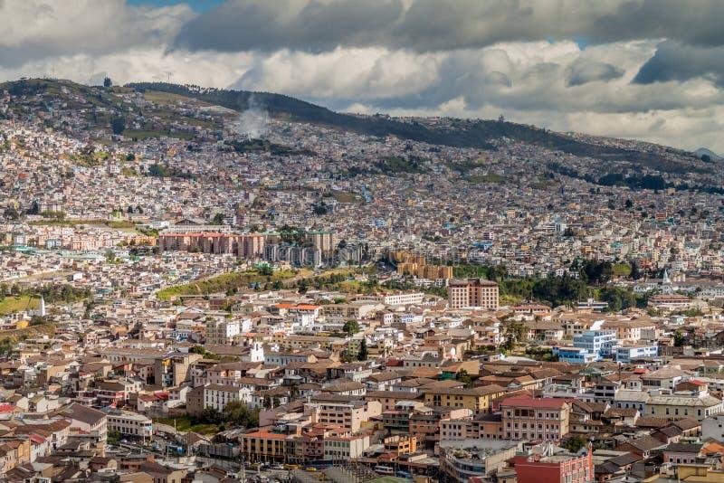 Vista aérea de Quito fotografía de archivo libre de regalías
