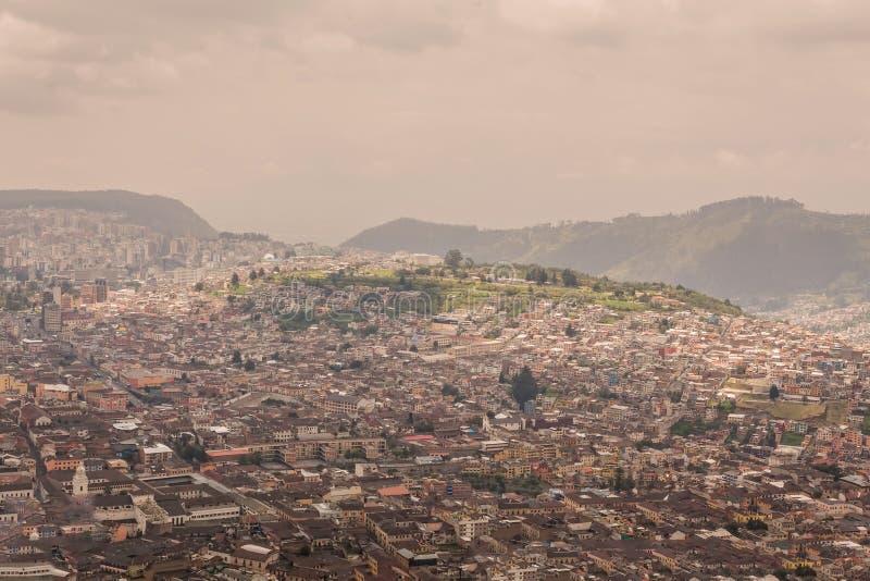 Vista aérea de Quito, centro histórico, Ecuador fotos de archivo