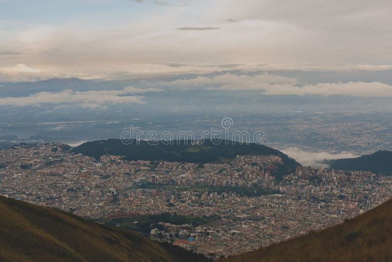 Vista aérea de Quito Ecuador imagen de archivo libre de regalías