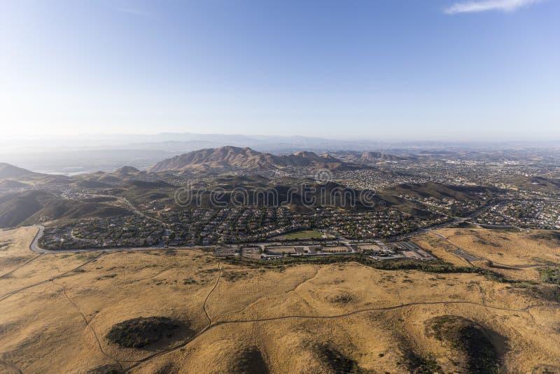 Vista aérea de Thousand Oaks e de Newbury Park Califórnia foto de stock royalty free