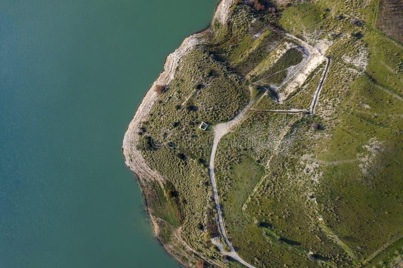 Vista aérea de um lago imagens de stock royalty free