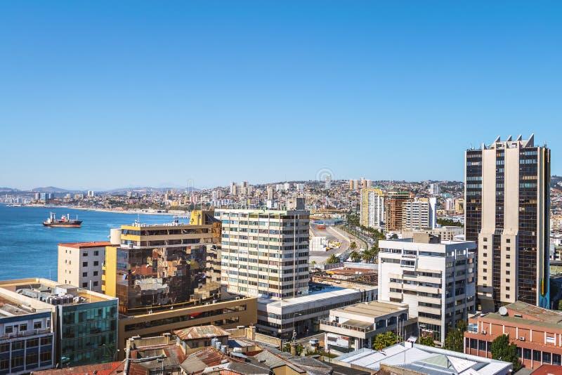 Vista aérea de Valparaiso de Paseo Atkinson no monte de Cerro Concepción - Valparaiso, o Chile imagens de stock