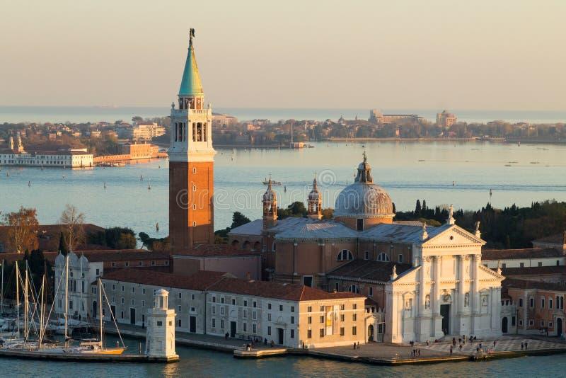 Vista aérea de Venecia en el amanecer, Italia Opinión de la iglesia de San Giorgio Maggiore fotos de archivo