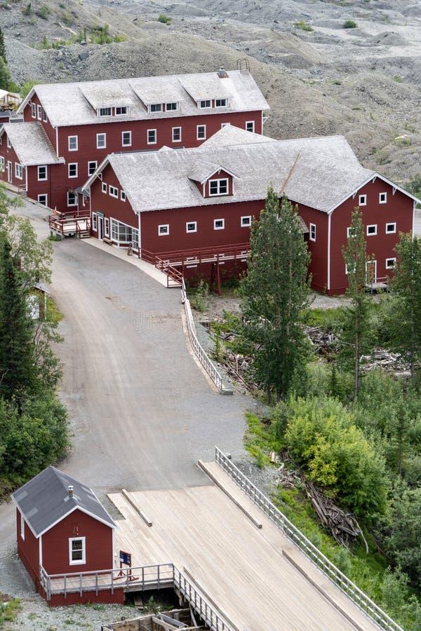 Vista aérea del alojamiento, de los bunkhouses y de la otra pieza de los edificios de la mina abandonada fotografía de archivo