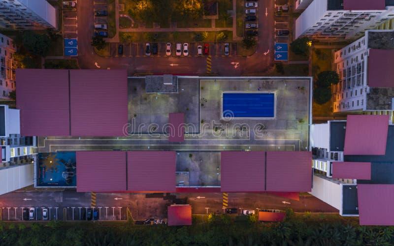 Vista aérea del alto apartamento de la subida foto de archivo libre de regalías