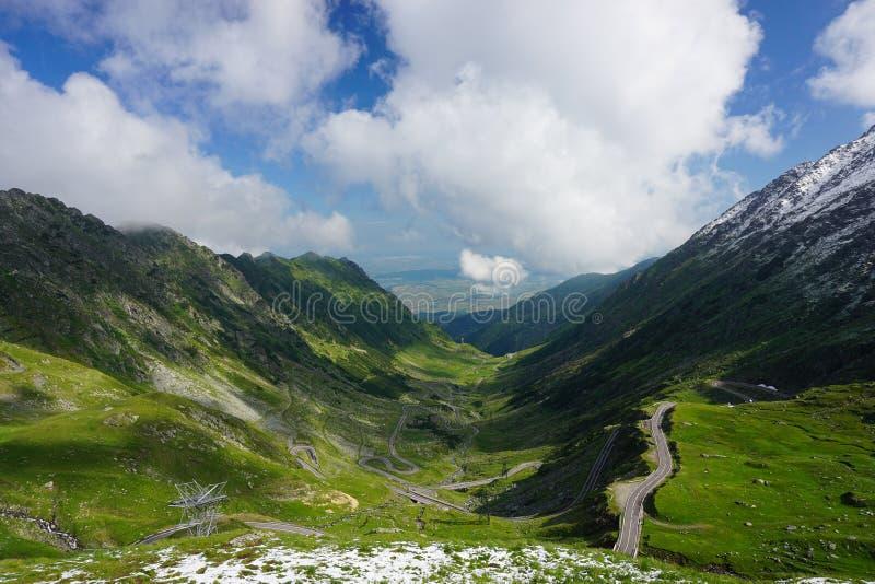 Vista aérea del camino alpino de la montaña de Transfagarasan imágenes de archivo libres de regalías