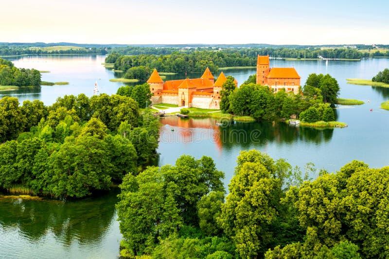 Vista aérea del castillo viejo Trakai foto de archivo