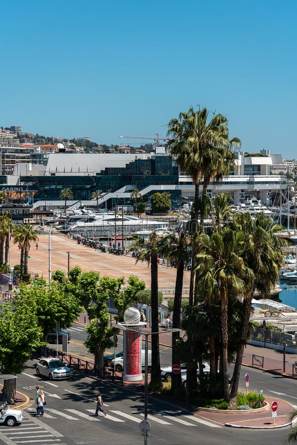 Vista Aérea Del Centro De Cannes fotografía de archivo
