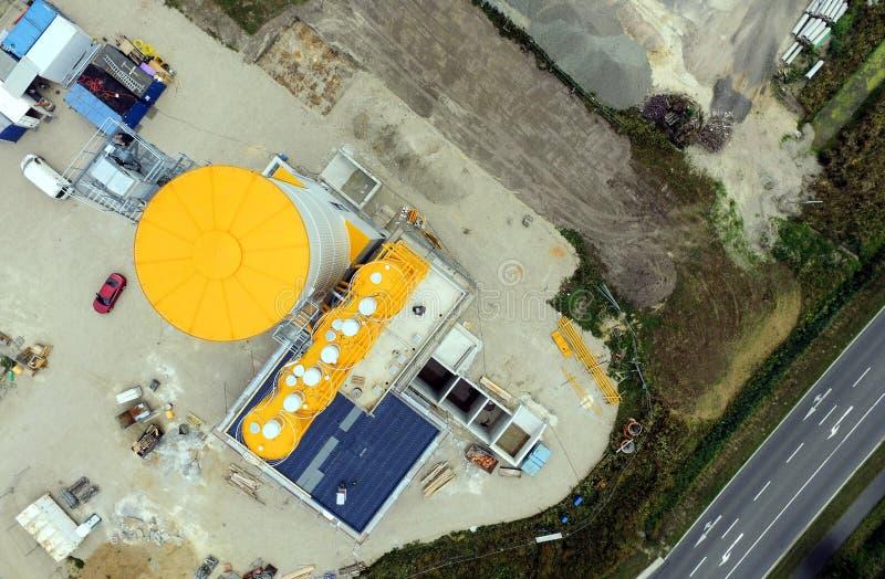 Vista aérea del emplazamiento de la obra para una nueva planta concreta fotografía de archivo