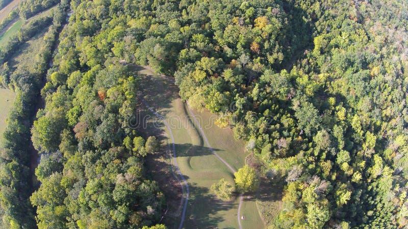 Vista aérea del gran montón de la serpiente, Ohio imagen de archivo