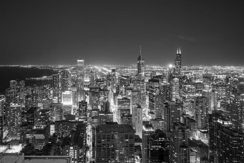 Vista aérea del horizonte céntrico de Chicago en la puesta del sol fotografía de archivo libre de regalías