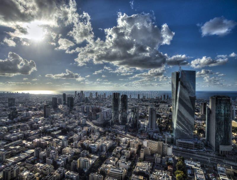 Vista aérea del horizonte con los rascacielos urbanos, Israel de Tel Aviv imagenes de archivo