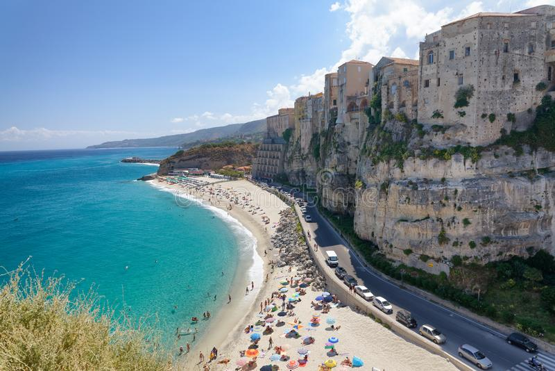 Vista aérea del horizonte en un día soleado hermoso, Italia de Tropea fotos de archivo libres de regalías