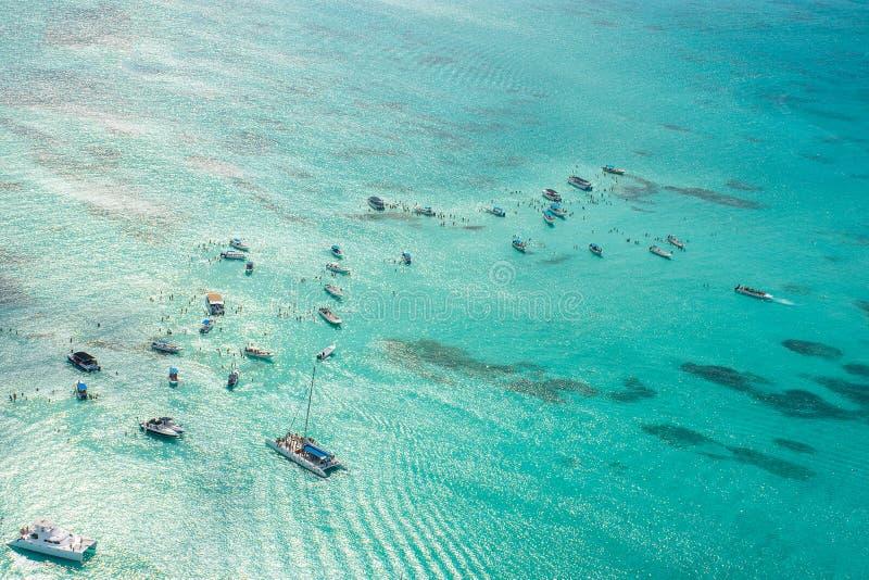 Vista aérea del mar del Caribe de un helicóptero, República Dominicana imagen de archivo