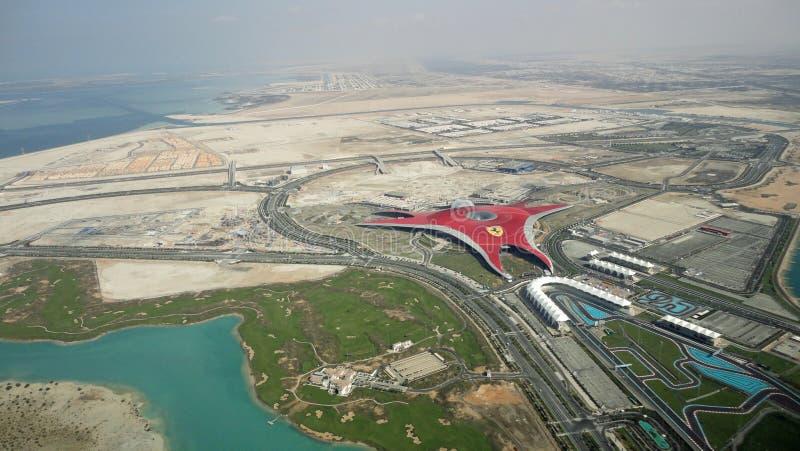 Vista aérea del mundo Abu Dhabi de Ferrari fotografía de archivo libre de regalías