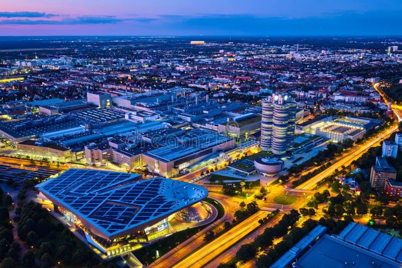 Vista aérea del museo de BMW y verdugón y fábrica de BWM Munich, germen foto de archivo libre de regalías