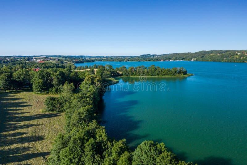 Vista aérea del parque del paisaje de Kashubian Kaszuby polonia La foto hizo por el abej?n desde arriba Opini?n de ojo de p?jaro fotos de archivo