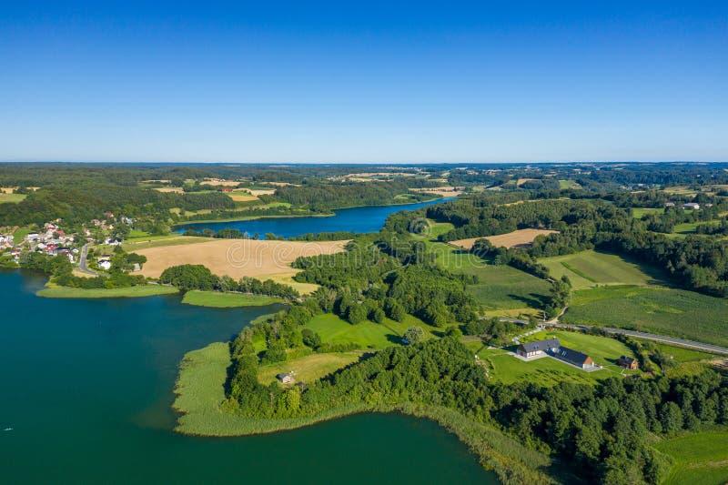 Vista aérea del parque del paisaje de Kashubian Kaszuby polonia La foto hizo por el abej?n desde arriba Opini?n de ojo de p?jaro foto de archivo libre de regalías