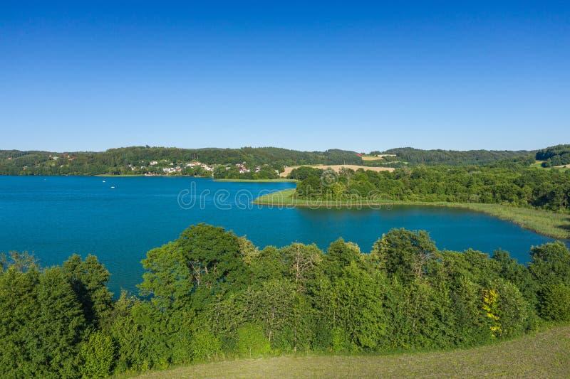 Vista aérea del parque del paisaje de Kashubian Kaszuby polonia La foto hizo por el abej?n desde arriba Opini?n de ojo de p?jaro fotos de archivo libres de regalías