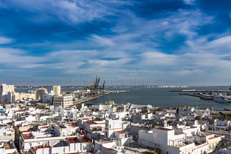 Vista aérea del puerto de Cádiz foto de archivo