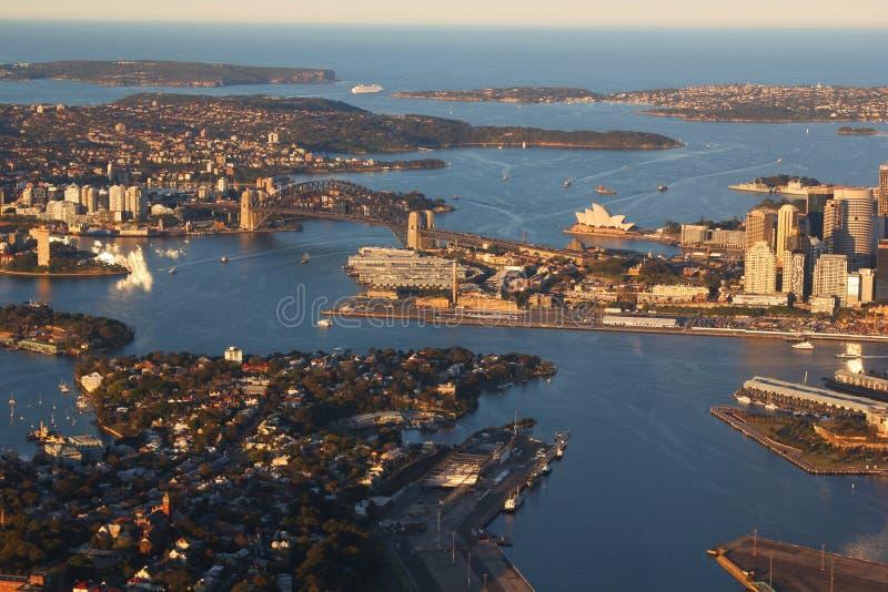 Vista aérea del puerto de Sydney, Australia imágenes de archivo libres de regalías