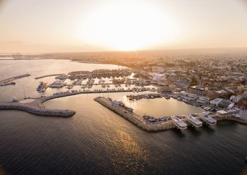 Vista aérea del puerto viejo de Limassol, Chipre fotos de archivo