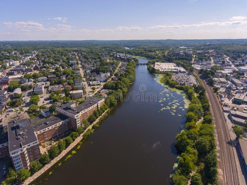 Vista aérea del río Charles, Waltham, Massachusetts, Estados Unidos imagen de archivo libre de regalías
