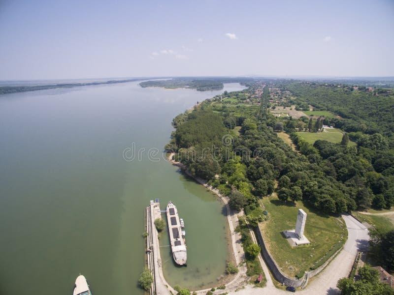 Vista aérea del río Danubio imagenes de archivo