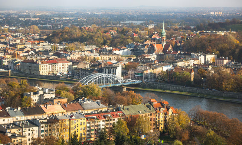 Vista aérea del río Vistula en el centro de ciudad histórico fotos de archivo libres de regalías