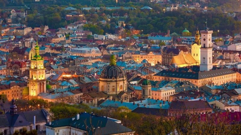 Vista aérea del viejo distrito de una ciudad histórico de Lviv, Ucrania fotografía de archivo libre de regalías