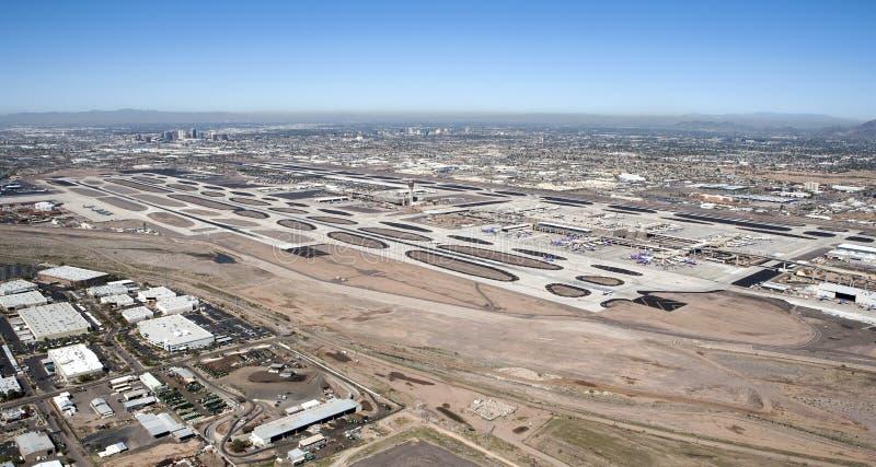 Download Aeroporto do porto do céu foto de stock. Imagem de deserto - 29839110